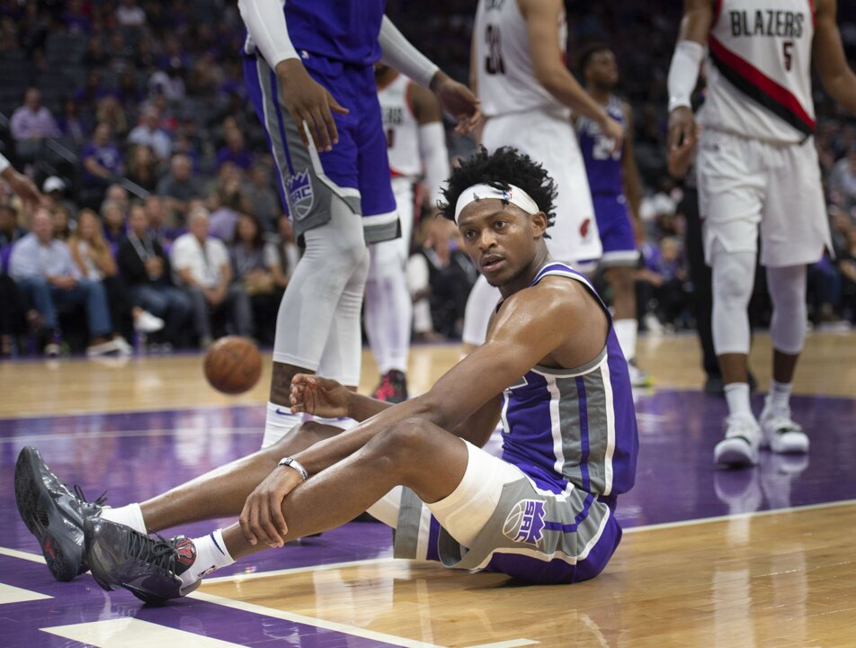 Kings point guard De'Aaron Fox speaks for first time since suffering ankle injury