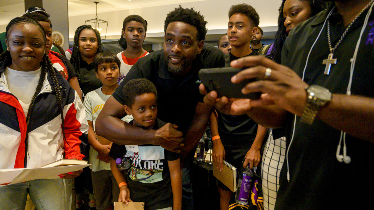 Chris Webber meets local kids for mentoring. 'They need to find something that they love'