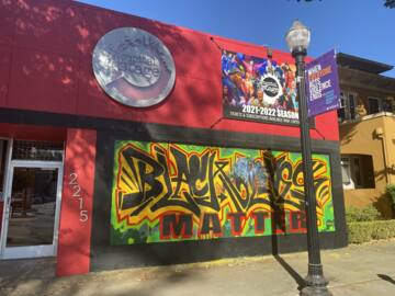 Black Lives Matter mural on midtown Sacramento theater company building is vandalized