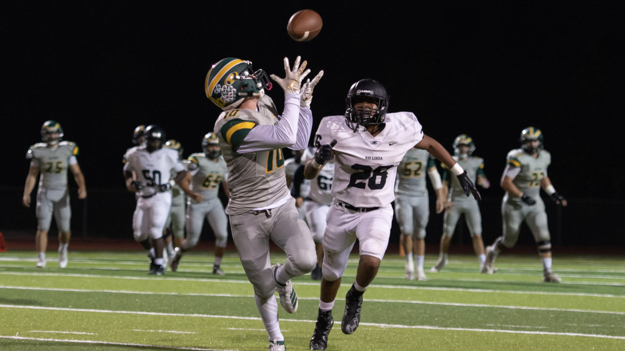 Placer Hillmen's wing-T wonders roll Rio Linda in showdown of backs