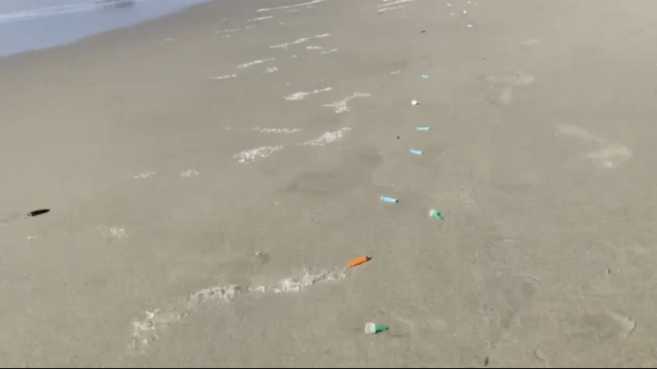 Syringes, other medical waste litter Venice Beach in Los Angeles, video shows