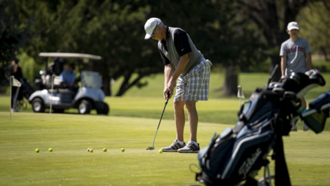 Golf is now controversial during the coronavirus pandemic: Is it safe to play?