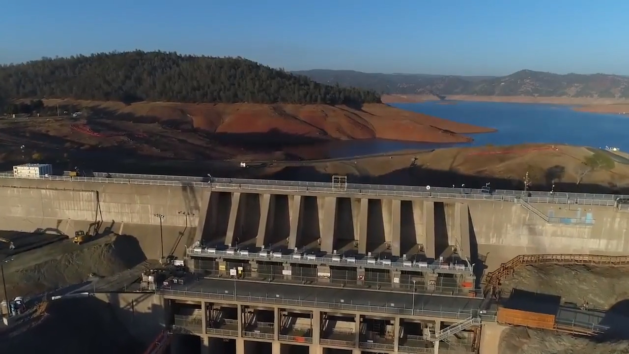 Federal government to California: Oroville Dam may not withstand a
