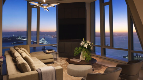See insane views from tallest residence west of Chicago: $46 million S.F. penthouse
