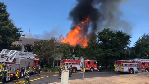 2-alarm Freeport Blvd. fire 'mostly extinguished' after roof collapse, authorities say