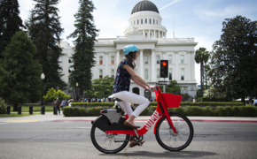 See how to use these new electric rental bikes