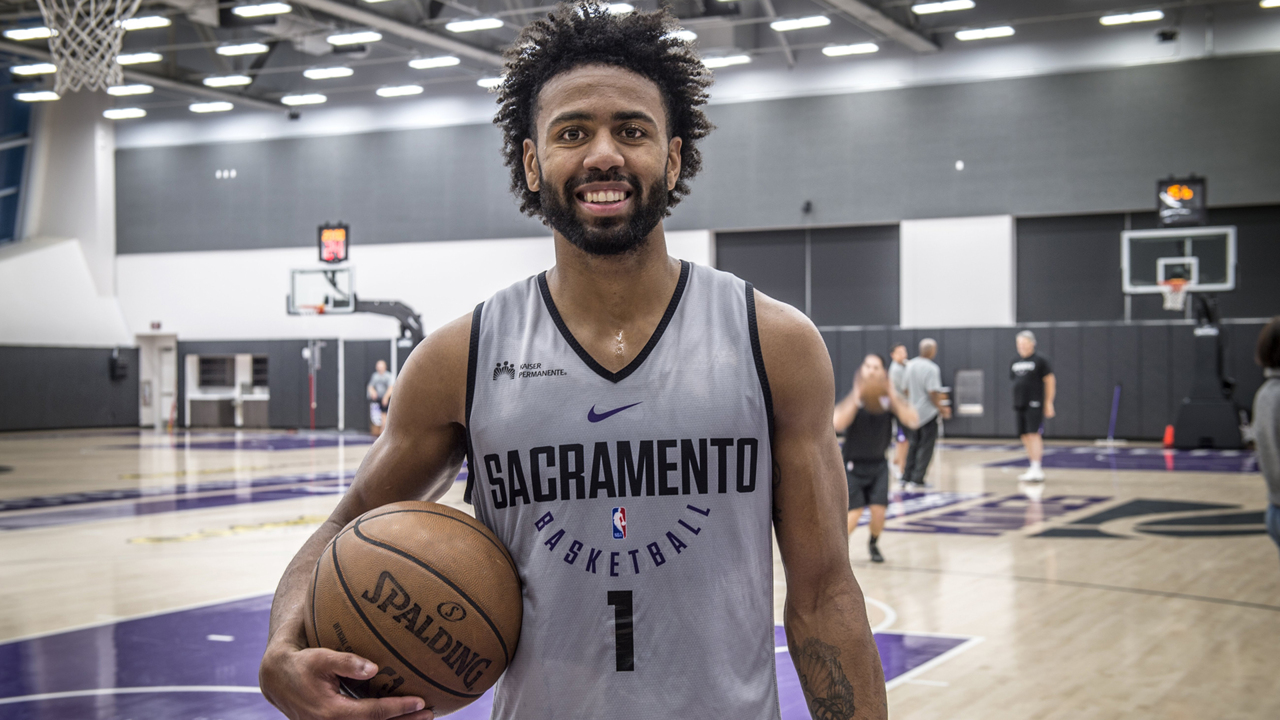 Former UNC guard Joel Berry II signs with Lakers  c7b125937