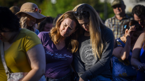 'Gilroy Strong': Hundreds gather to mourn victims of Gilroy Garlic Festival shooting