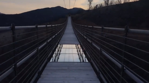 Longest pedestrian suspension bridge in U.S. just opened - walk across its glass bottom