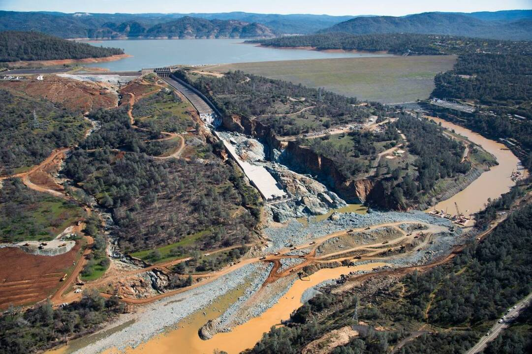 Dear California water officials: After Oroville Dam scare, why should we trust you?