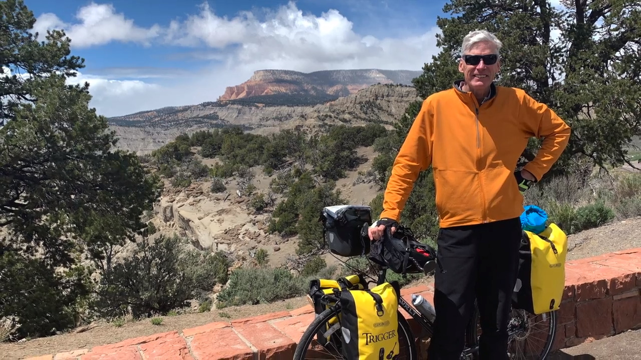 Cows, turtles and Willie Nelson: A California man's solo bike tour across the country