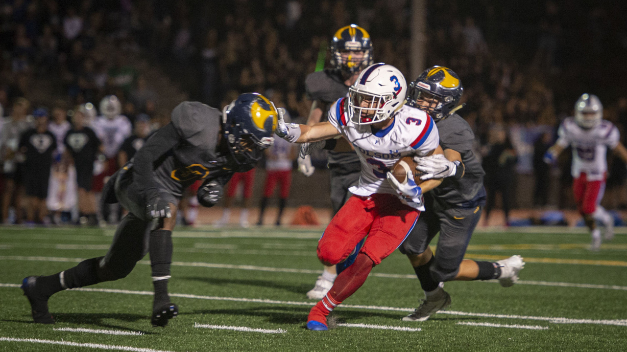 Folsom holds off Oak Ridge in a thriller as natural rivalry game shows signs of life