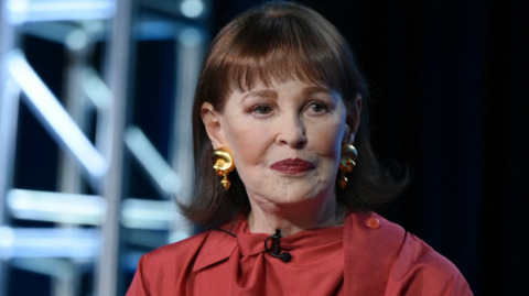 Gloria Vanderbilt, heiress and fashion designer, dies at age 95