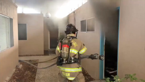 Fire breaks out at Fair Oaks strip mall on Sunset Avenue