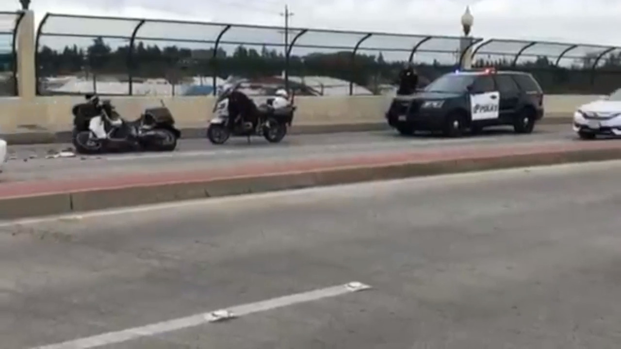Modesto CA police officer hurt in crash during chase