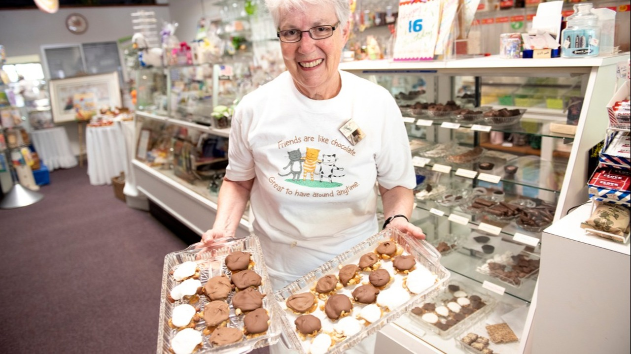 Downtown Modesto, CA's longtime candy shop Beckles closing
