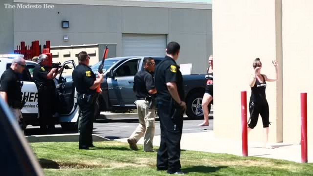 Deputies surround Salida business park after large fight