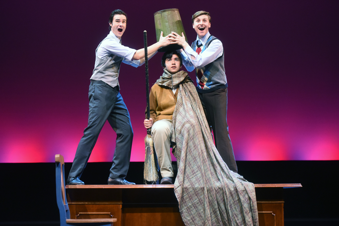 """Modesto's YES Company stages """"Singin' in the Rain"""" 