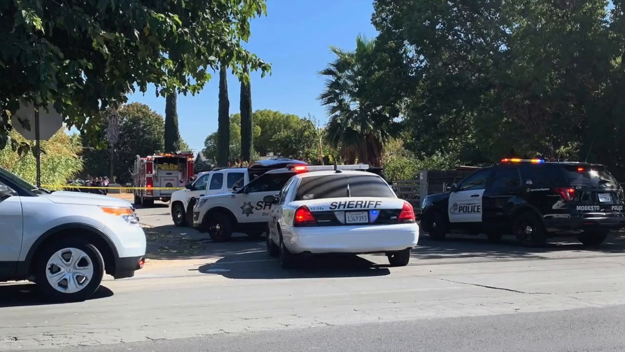 Man shot in west Modesto; suspects throw something from car before leaving