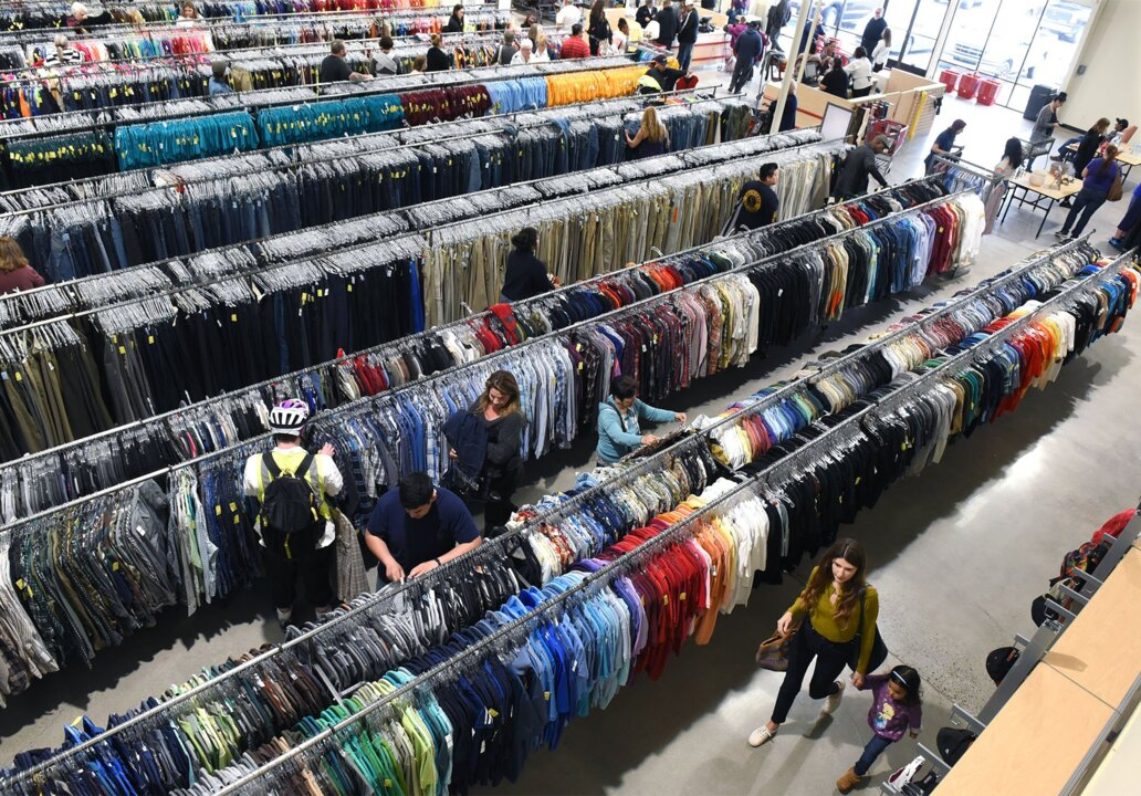 61326170 Modesto's new Salvation Army thrift store moves to bigger location.  Shoppers approve | Modesto Bee