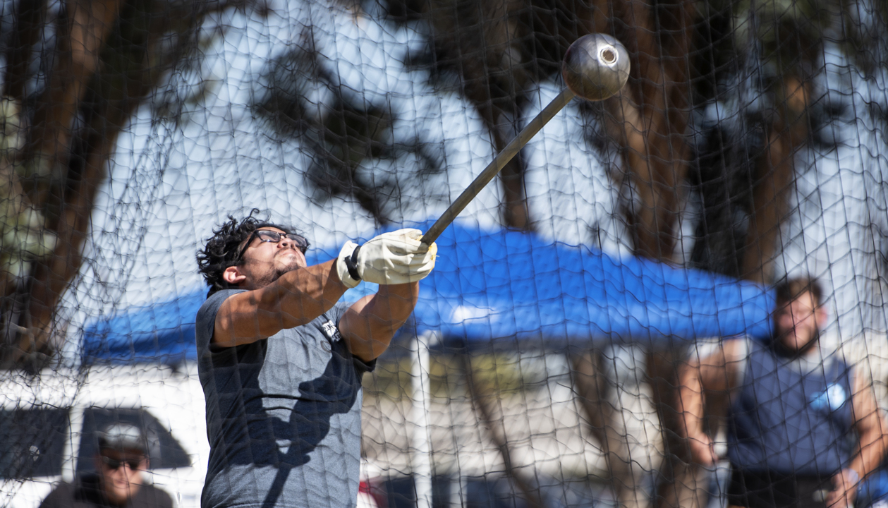 Athletes throw their weights around at Scottish highland games in Turlock