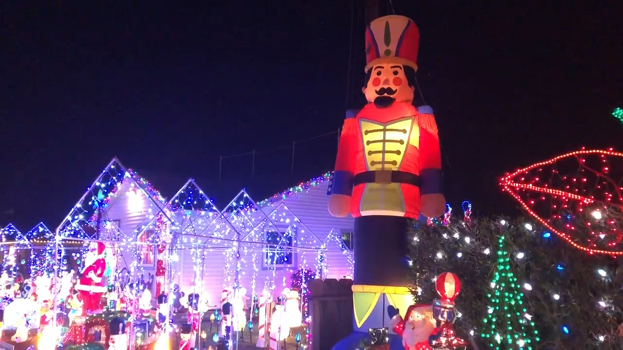 Christmas Tree Lane Turlock.Your Guide To Merry And Bright Yard Displays In Stanislaus