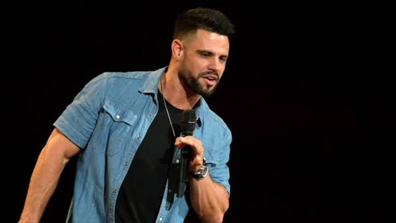 A first-timer's impressions of Elevation pastor Steven Furtick