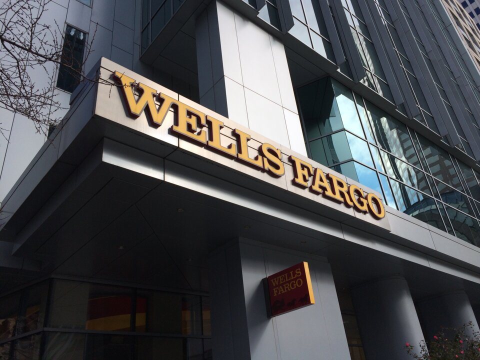 Wells Fargo online problems affect payments and transfers
