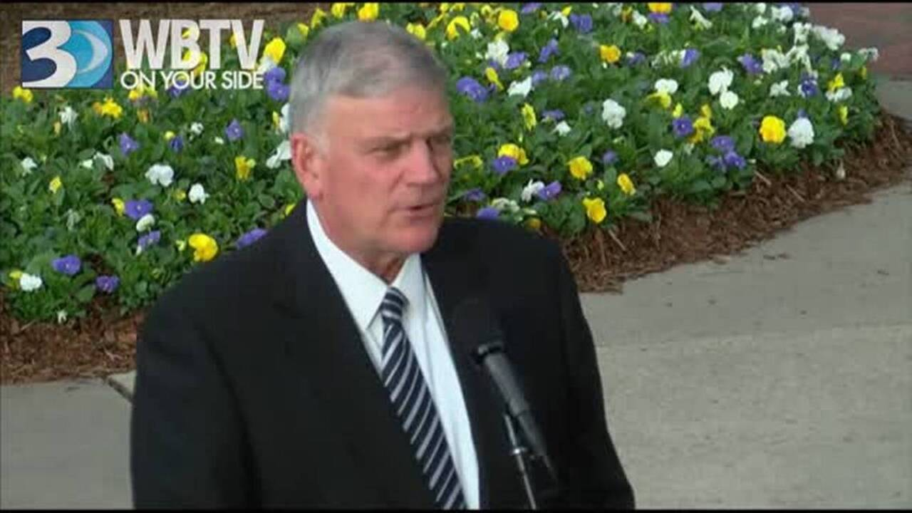 Franklin Graham will preach in Raleigh on Sunday, and keep talking politics online