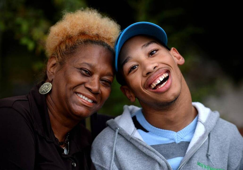 Ex Nfl Player Rae Carruth Hired Hit Man To Be Sure This