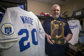 See some of the baseball memorabilia Royals legend Frank White is selling