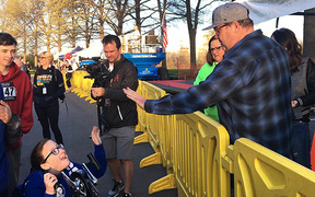 'I'm not running!' Eric Stonestreet cheers crowd at cancer prevention event