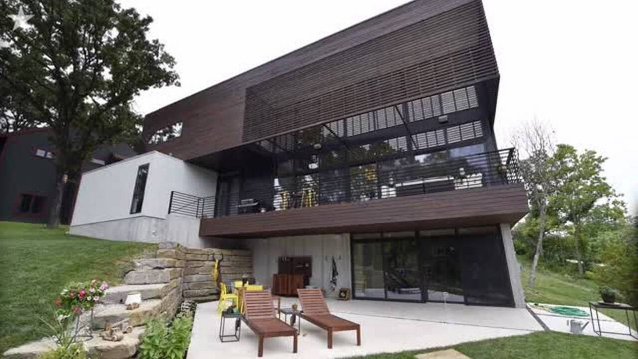 Weatherby lake modern lodge built for stunning views lake parties the kansas city star