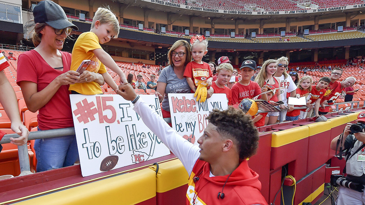 Patrick Mahomes Chiefs Star Qb Wants Low Profile In Season