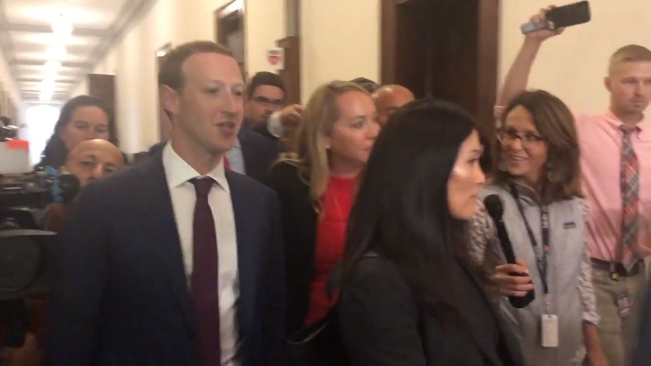 Hawley presses Facebook's Zuckerberg at meeting to sell Instagram in name of privacy
