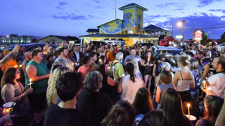 Candlelight vigil in memory of 17 victims of Branson duck boat tragedy