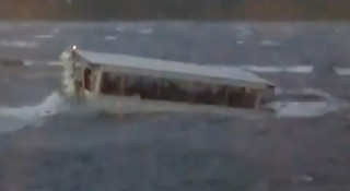 'Ride The Ducks' boats struck by huge waves on Table Rock Lake
