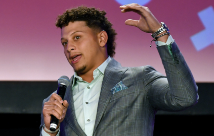 Mahomes is right at home as he is honored at Kansas City Sports Commission Banquet