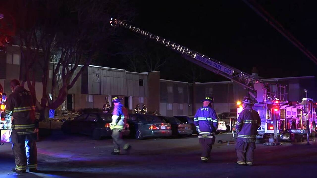 Overland park apartment fire displaces 13 people the - Home and garden show overland park ...