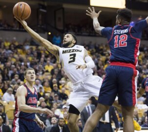 Former Missouri star Kassius Robertson trying to break out in the NBA Summer League