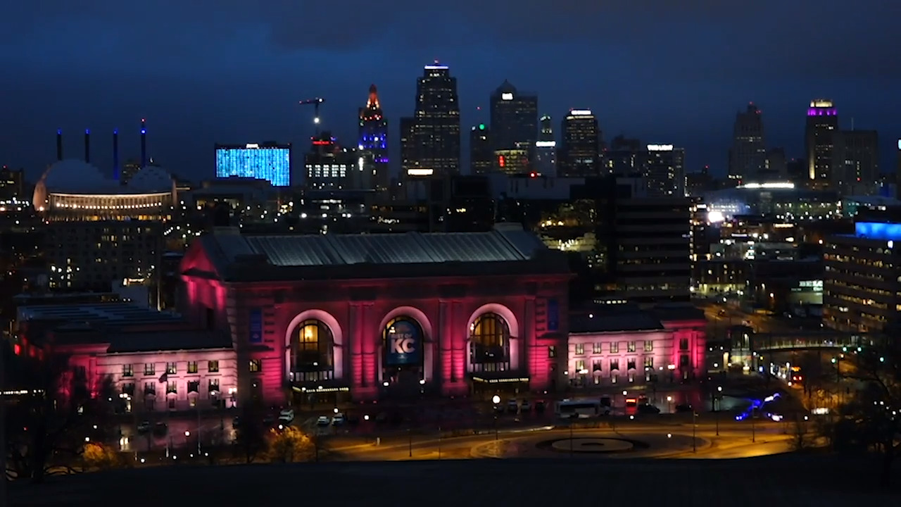 How do Kansas City's downtown buildings coordinate their lights? A KCQ gets answered
