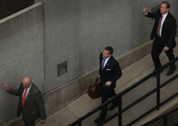 Missouri Gov. Eric Greitens' team arrives at court in St. Louis