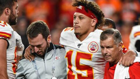 Patrick Mahomes undergoes MRI; second opinion on kneecap injury will be sought