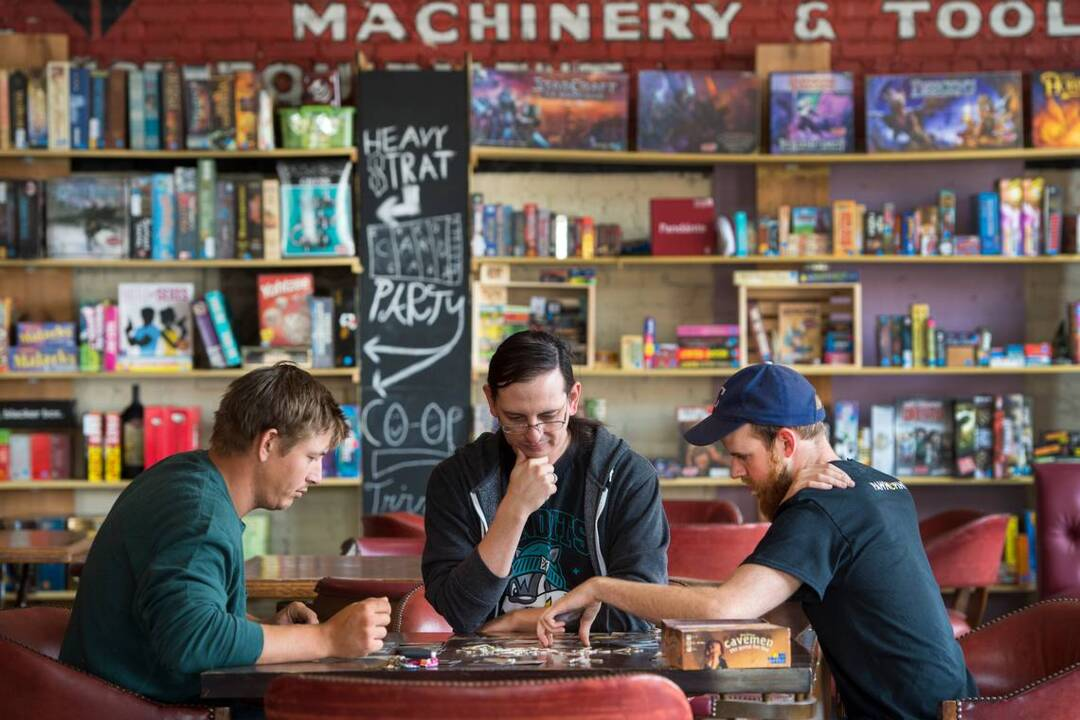 Pawn and Pint board game cafe opens in Kansas City Crossroads