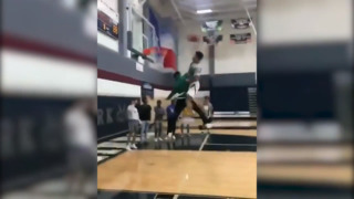 KU commit Quentin Grimes throws down monster dunk