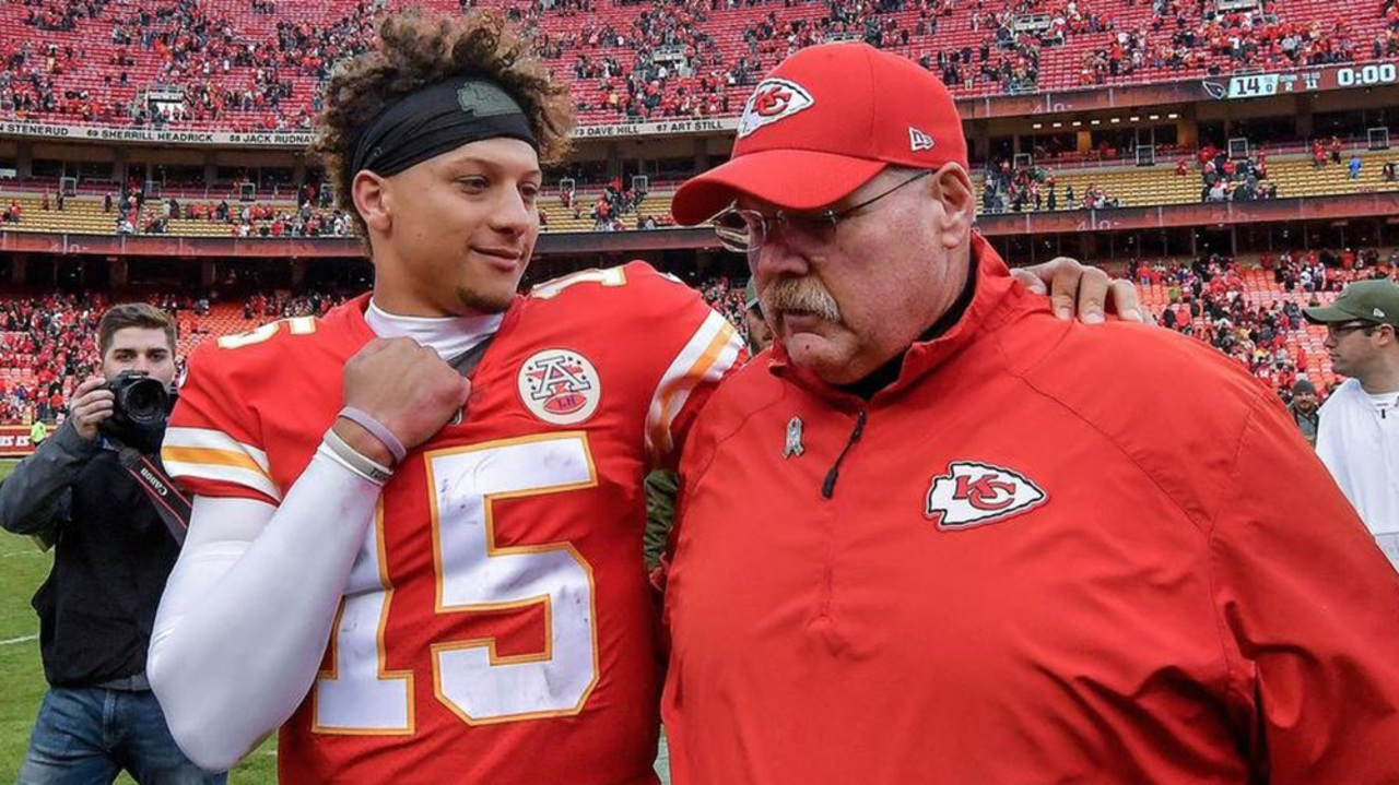 Chiefs fans have mixed reaction to Patrick Mahomes returning to practice Wednesday