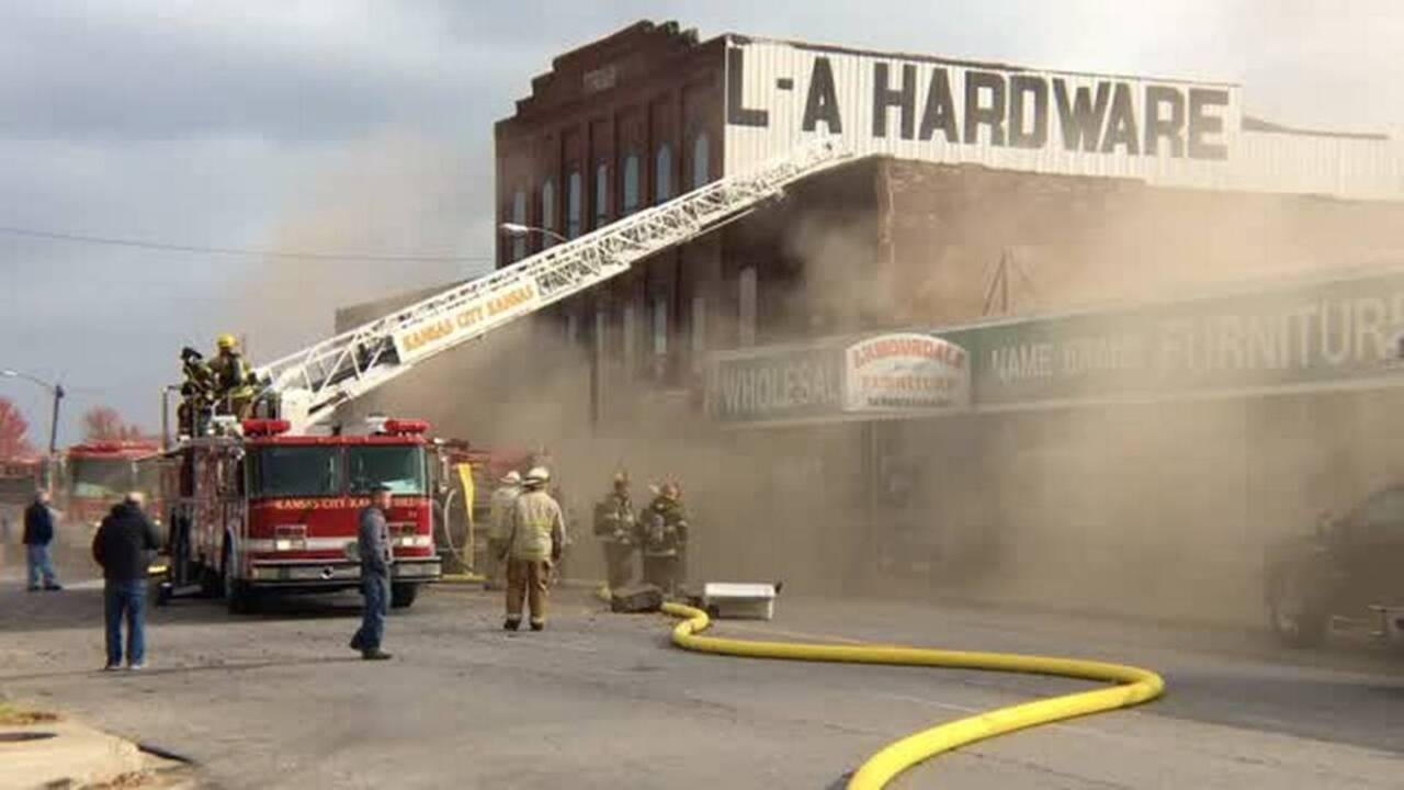 Thick Black Smoke From 3 Alarm Fire Fills KCK Furniture Store | The Kansas  City Star