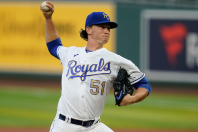 Royals' Singer learned to keep foot on gas in rookie season