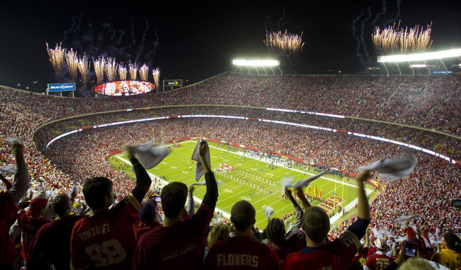 Rain, cold, and heavy traffic come with Thursday night Chiefs game at Arrowhead in KC