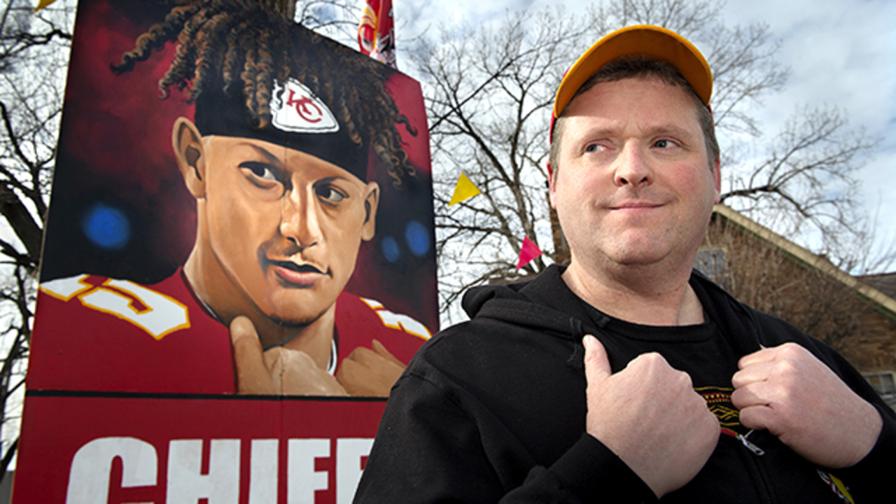 Missouri Chiefs Fan Paints 20 Foot Tall Patrick Mahomes
